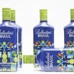 Fernando Volken Togni signe une bouteille collector Ballantine's Brasil